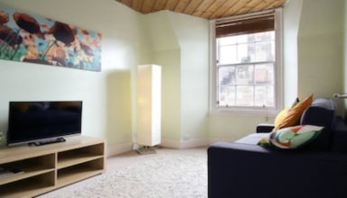 Bright Central Flat - With Stunning Views