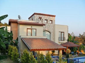 House With 4 Bedrooms in Kusadasi, With Private Pool and Enclosed Gard