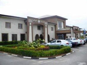 Axari Hotel & Suites
