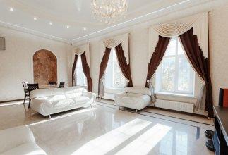 Royal Apartment Uspenskaya 12