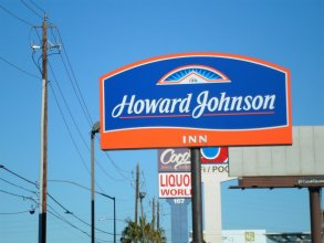 Howard Johnson by Wyndham Las Vegas near the Strip