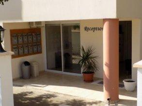 Kyriakos Court