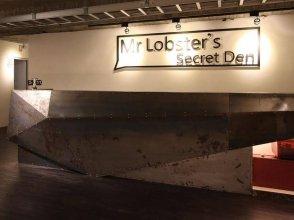 Mr Lobster's Secret Den Design Hostel