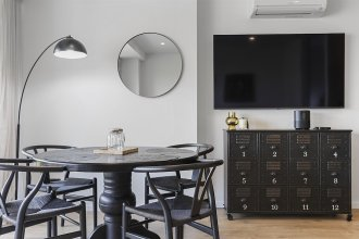 Modern Styled Apartment with Stunning Park Views and Car Park by Urban Butler