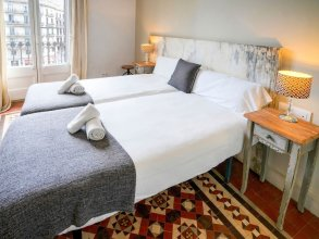 Luxurious Apartment for 9 People Recently Renovated in the Center of Barcelona