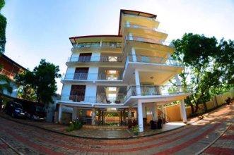 Happy Leoni Hotel