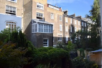 1 Bedroom Townhouse Apartment in Notting Hill