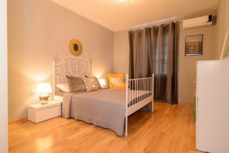 FM Luxury 2-BDR Apartment - Rise and Shine