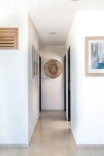 ARENA Stunning 2 BDR Beachfront- Designer Vibes