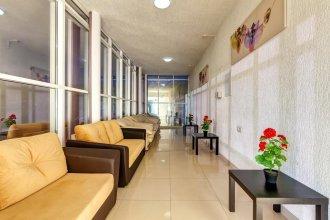 Отель Азария