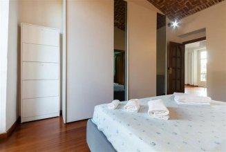 Torino Cenisia & Porta Susa Roomy Flat
