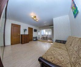 Cozy three bedroom apartment on Lenina