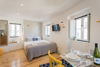 Alfama Loft Studio Loft Apartment w/ River View - by LU Holidays