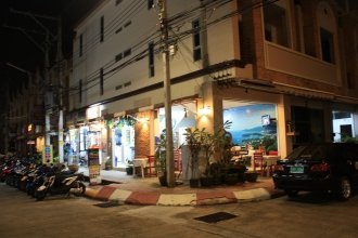 Phuket Racha Guesthouse
