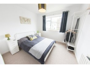 Bright & Airy 2-bedroom Flat for 6 in Blackheath