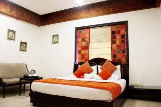 OYO 557 Hotel Lavish Inn