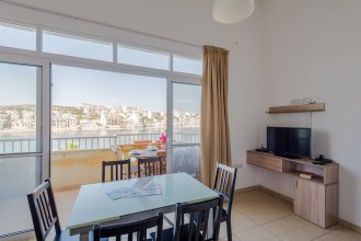 Blue Harbour 4 Seafront apartment