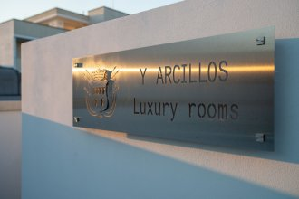 Y Arcillos Luxury Rooms