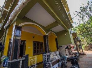 OYO 13203 Home Bright Studio Near Morjim Beach