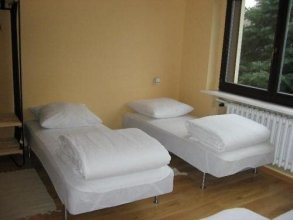 Hostel 365