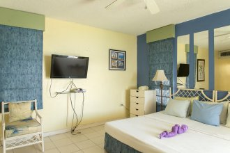 Moonlight Beach Studio At Montego Bay Club Resort