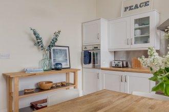 325 - Saxe Coburg Place Apartment