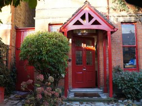 At-Home Bed and Breakfast Ealing