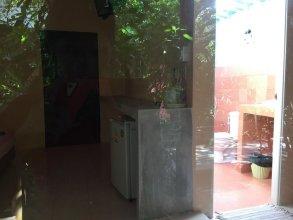 Cha-Ba Bungalow & Art Gallery