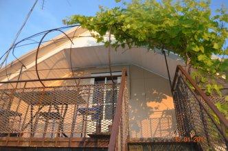 Guest House on Turgeneva 172a