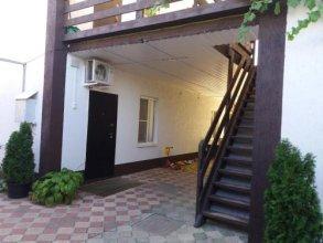 Guest House on Sverdlova 58