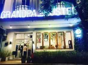 Grandpa's Hostel Bangkok