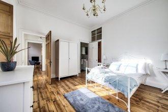 Cumberland - New Town Apartment