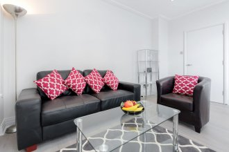 Roomspace Apartments -River House