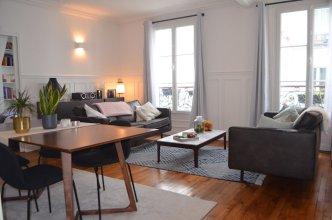 Central Marais-beaubourg 1 Bedroom Flat