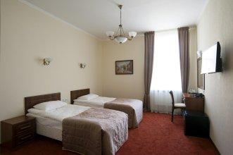 SOLO Na Bolshoj Moskovskoj 1 Guest house