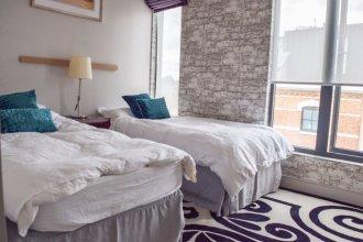Modern And Luxurious Penthouse W' A Balcony