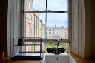 Vintage-style Apartment In Lovely Leith