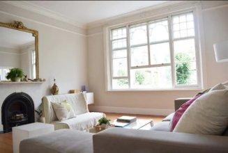 2 Bedroom Victorian Flat in Putney