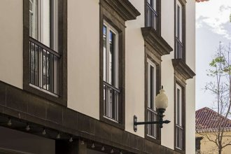 Downtown Funchal Apartments 1A Louros by An Island Apart