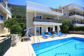 Villa Baynur 2 by Akdenizvillam