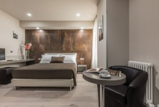 Astoria Deluxe Rooms