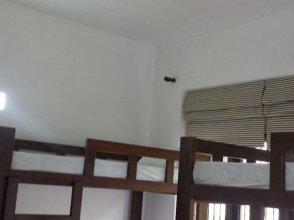 Colombo Downtown Monkey Backpackers Hostel