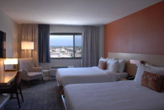Lincoln Hotel SureStay Collection by Best Western