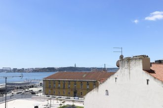 Alfama Golden View by Homing