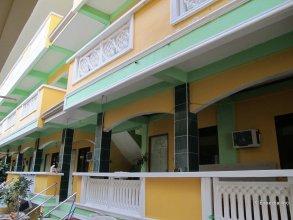 White Beach Hotel Bar and Restaurant