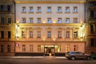 Отель Angelis