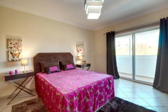 House With 3 Bedrooms in Albufeira, With Wonderful City View, Private
