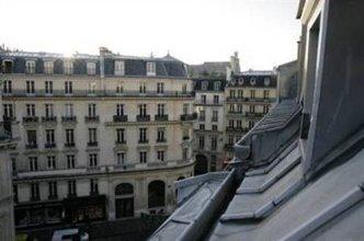 Studette Saint Lazare