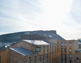 Crags View Apartment