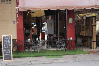 Follow Your Heart Hostel&Cafe